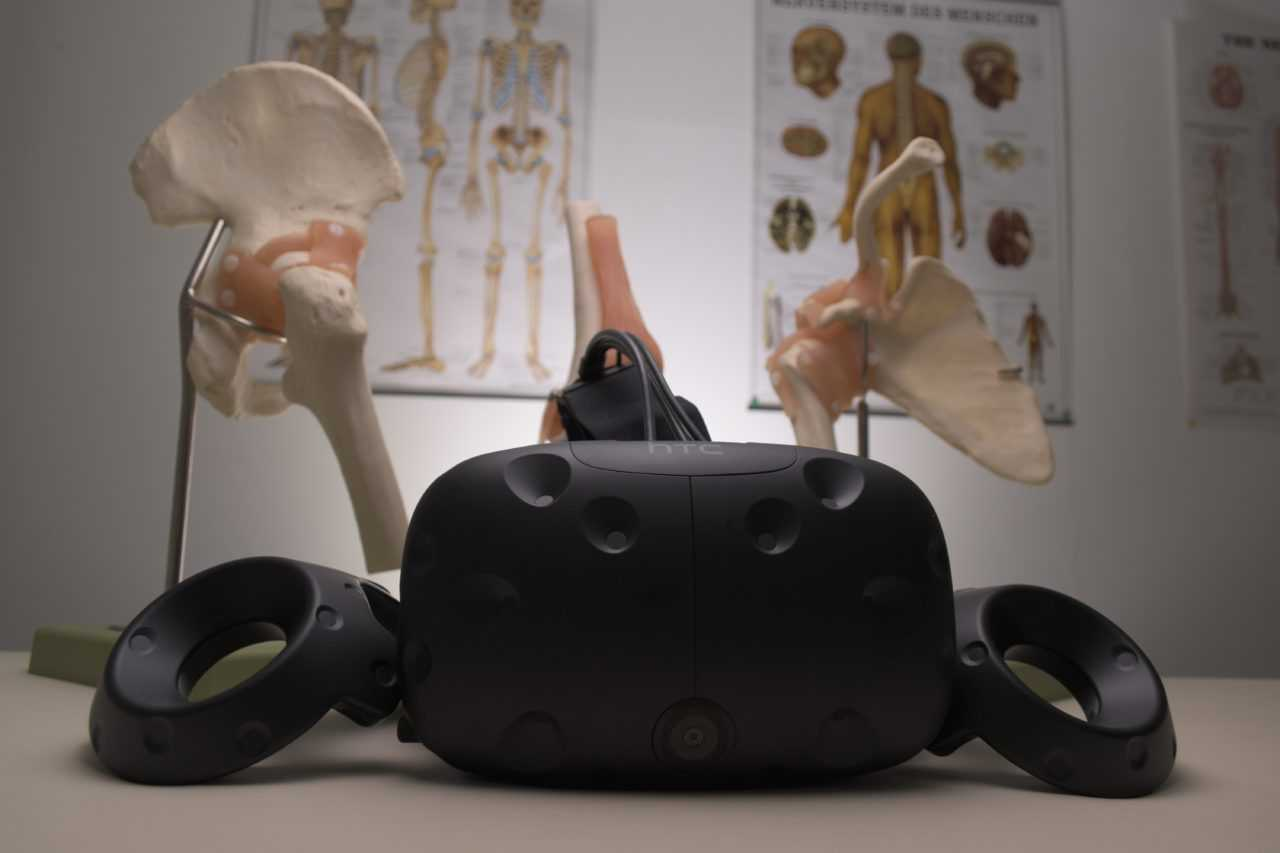 The Future Is Near: Digitalizing cadavers using VR